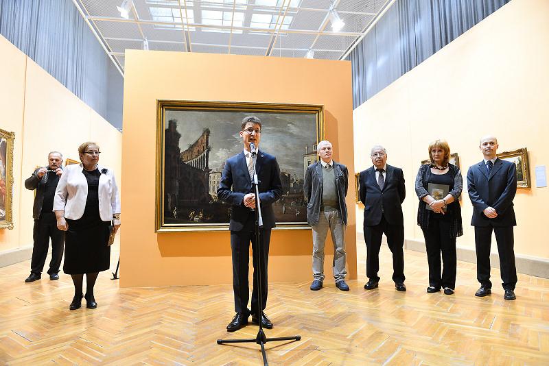 A megnyitó közönségét Cser-Palkovics András polgármester köszöntötte